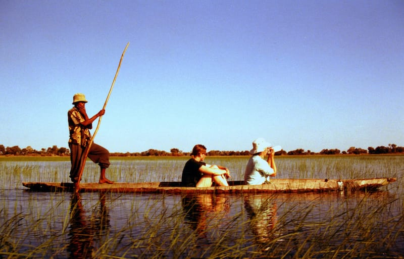 okavanga-delta-mokoro