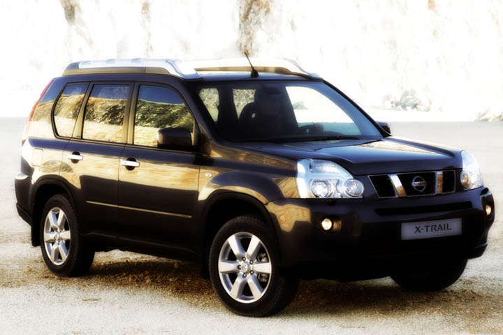Nissan X-Trail 2x4 car rental for family of 4