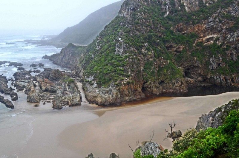 The Otter Hiking Trail's Bloukrans at low tide