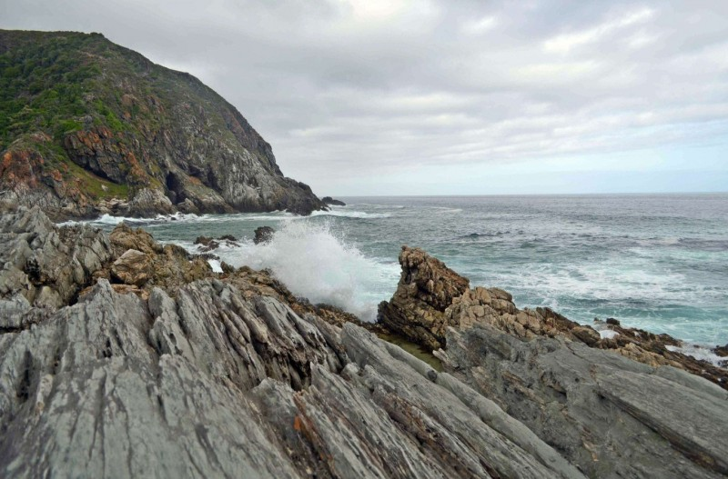 The rock formations at Oakhurst hut along the Garden Route's Otter Trail